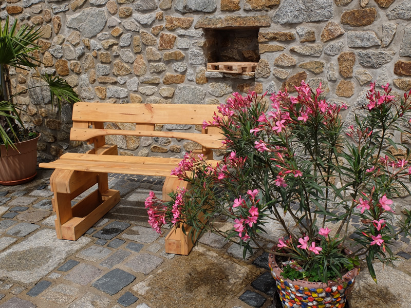 Gartenbank paletten sitzbank oder holzbank aus for Sitzbank aus europaletten