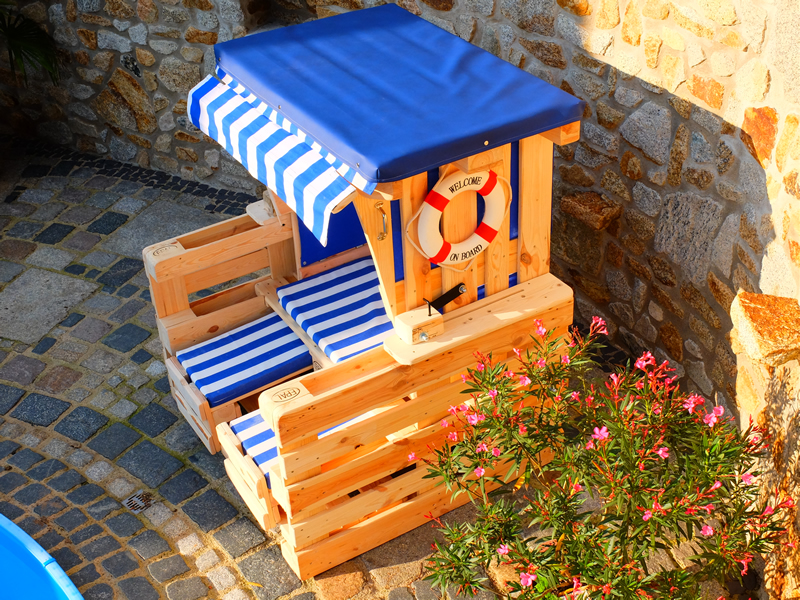 strandkorb aus paletten f r den strand oder ihren garten scholz holzdesign. Black Bedroom Furniture Sets. Home Design Ideas